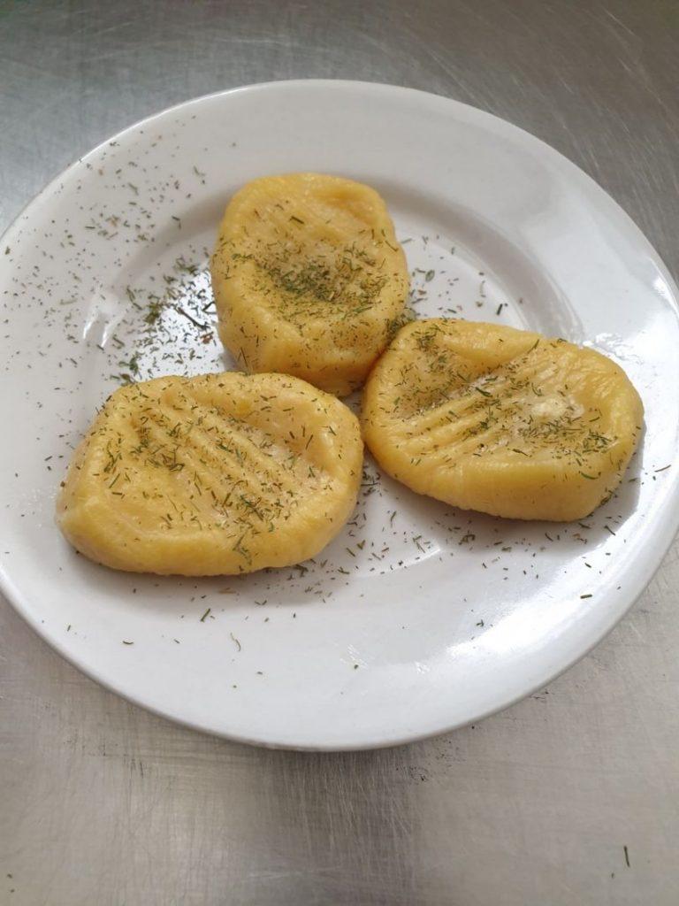 Ньюки картопляні з кропом